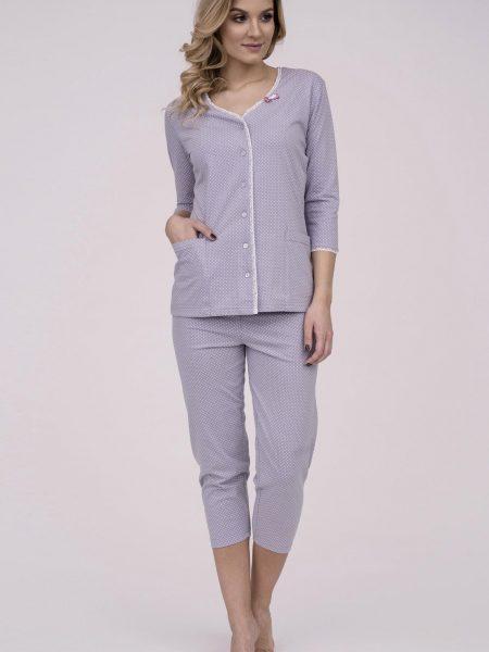Dámske bavlnené pyžamo Cana 174. Prinášame Vám novú kolekciu dámske pyžamá jar-leto 2018. Moderné, pohodlné, luxusné a zároveň cenovo veľmi prístupne dámske pyžamá, ktoré nájdete v našej ponuke. Celý komplet je vyrobený z veľmi kvalitného a príjemného materiálu. Materiálové zloženie: 100% bavlna. Dostupné veľkosti: S, M, L, XL a taktiež XXL. Vyrobené v EÚ