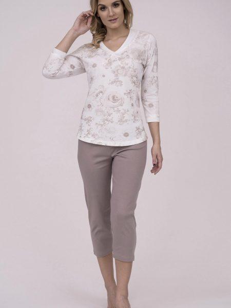 Dámske bavlnené pyžamo Cana 192. Prinášame Vám novú kolekciu dámske pyžamá jar-leto 2018. Moderné, pohodlné, luxusné a zároveň cenovo veľmi prístupne dámske pyžamá, ktoré nájdete v našej ponuke. Celý komplet je vyrobený z veľmi kvalitného a príjemného materiálu. Farebné prevedenie biela košieľka a v hnedej telovej farbe 3/4 nohavice. Materiálové zloženie: 100% bavlna. Dostupné veľkosti: S, M, L, XL a taktiež XXL. Tabuľka veľkosti viď. spodná časť stránky Vyrobené v EÚ