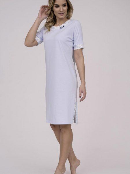 Dámska nočná košeľa Cana 789. Dámska nočná bavlnená košeľa Cana 789 je určená pre obdobie jar-leto kolekcia 2018. V príjemnej bledo modrej farbe s kvetinovou lemovkou okolo krku a rukávou vytvára z tejto nočnej košieľky modernú, pohodlnú, luxusnú a zároveň cenovo veľmi prístupnú dámsku nočnú košieľku.Táto košieľka je vyrobená z veľmi kvalitného a príjemného materiálu. Materiálové zloženie: 100% bavlna. Dostupné veľkosti: S, M, L, XL a taktiež XXL. Tabuľka veľkosti viď. nižšie v popise. Vyrobené v EÚ