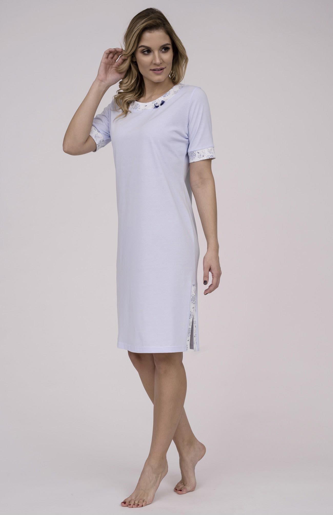 6d352296f1d1 Dámska nočná košeľa Cana 789. Dámska nočná bavlnená košeľa Cana 789 je  určená pre obdobie