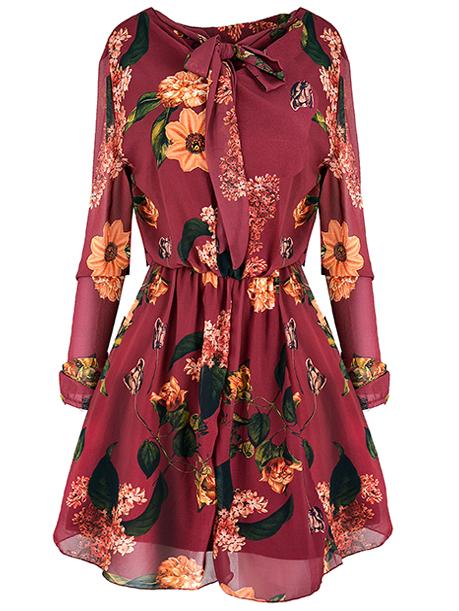 Dámske šaty JARKA 22117 sú dostupné v siedmych farebných prevedeniach. Veľkosť šiat : univerzál (XS-L) Zloženie: 95% viskóza 5% elastín Flexibilita: nepružná Pranie: pri 30°C Žehlenie: max 150°C