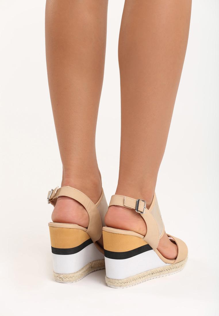 Dámske sandále na platforme béžové Leah Veľkosť : 36, 37, 38, 39, 40,41 /podľa dostupnosti/ Farba: béžová Päta: 10 cm Platforma : 2 cm Materiál: eko koža Špička topánky: otvorená Upevnenie: pracka Kód produktu: Jarka 1211852Dámske sandále na platforme béžové Leah Veľkosť : 36, 37, 38, 39, 40,41 /podľa dostupnosti/ Farba: béžová Päta: 10 cm Platforma : 2 cm Materiál: eko koža Špička topánky: otvorená Upevnenie: pracka Kód produktu: Jarka 1211852