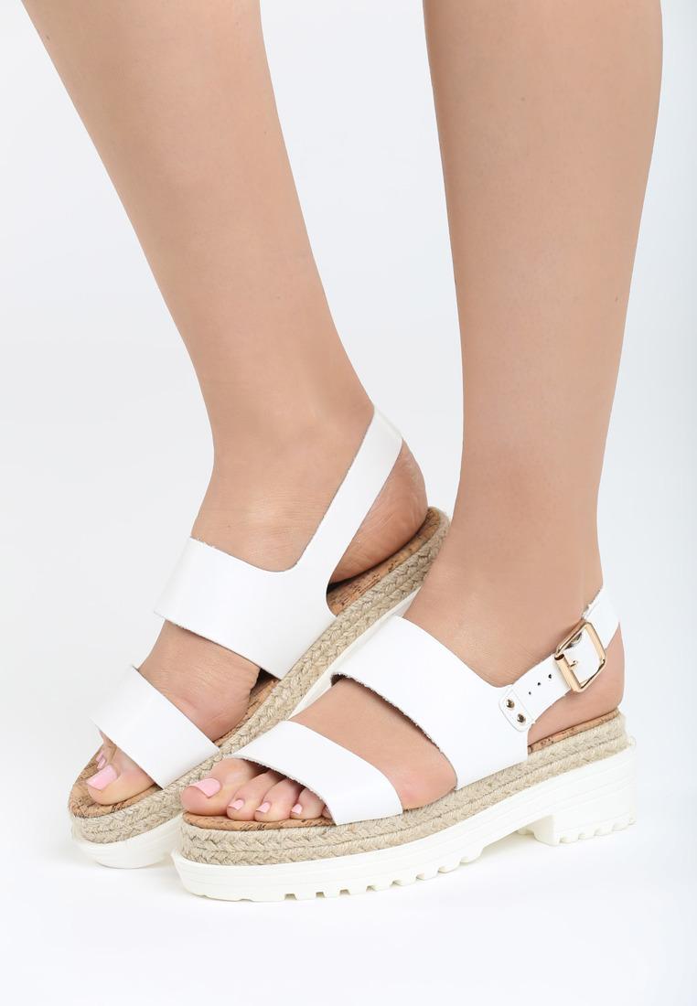 5a65d23e2ca4 Dámske sandále na platforme biele Zoe Veľkosť   36