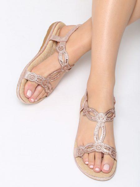 Dámske sandále ružové Stella Veľkosť : 36, 37, 38, 39, 40,41 /podľa dostupnosti/ Farba: ružová Päta: 3 cm Materiál: eko koža Špička topánky: otvorená Upevnenie: nasúvacie - univerzál Kód produktu: Jarka 1267087