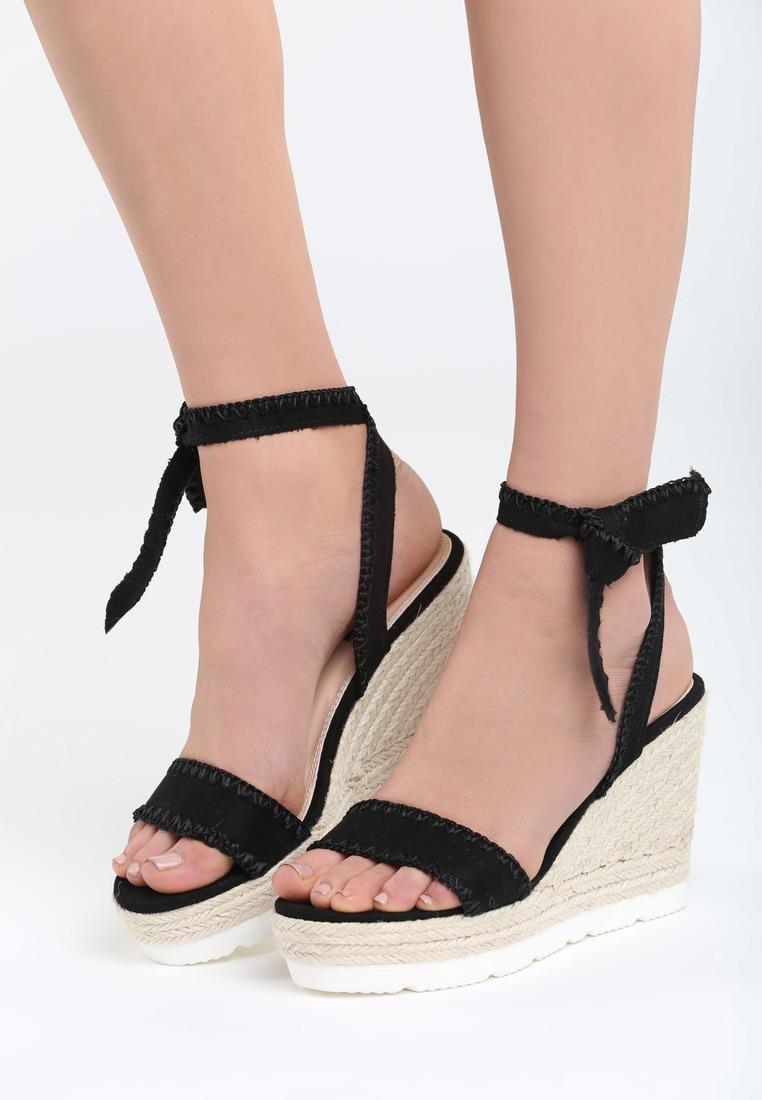 10e6caae25ad Sandále na platforme čierne Aria Veľkosť   35