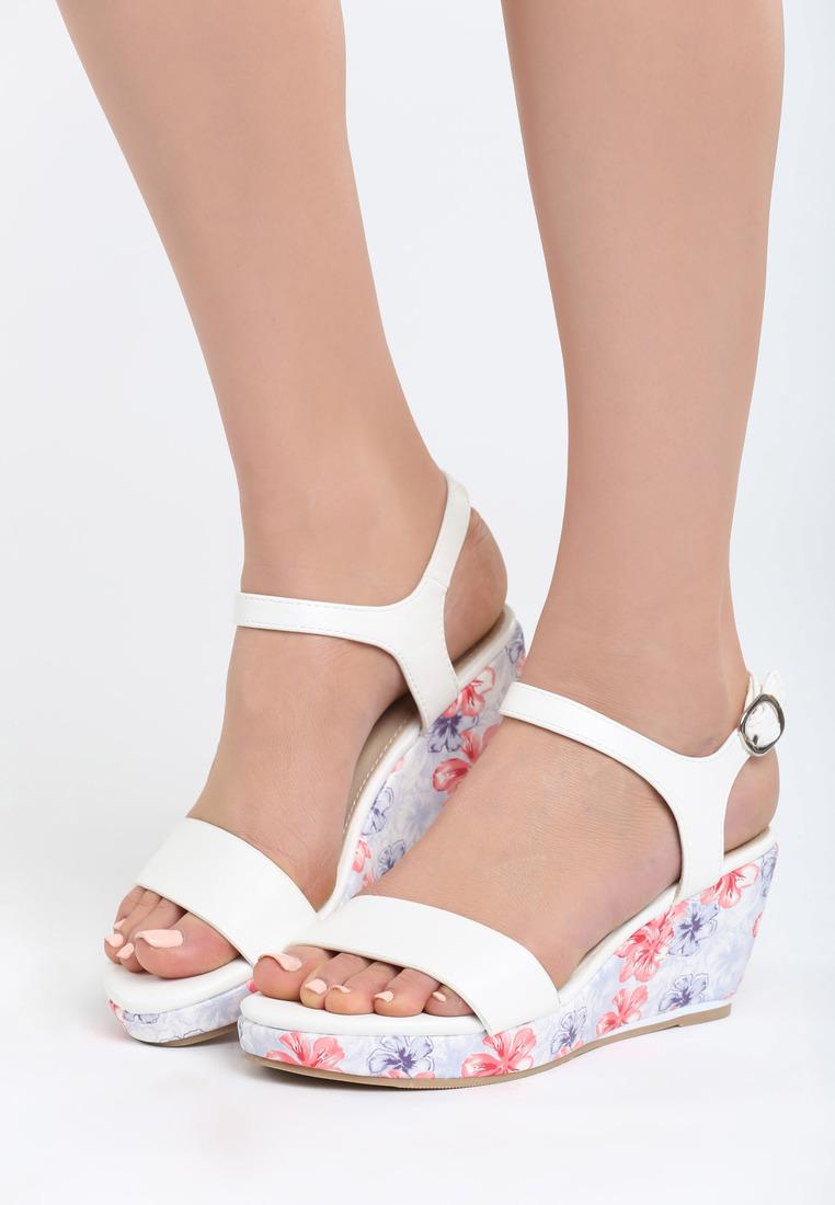 79e06b37fc Dámske sandále na platforme biele Gabriella