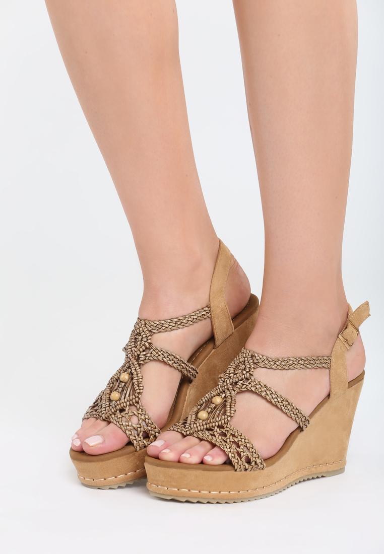 d6ecd6c7cd30 Dámske sandále na platforme hnedé Naomi Veľkosť   36