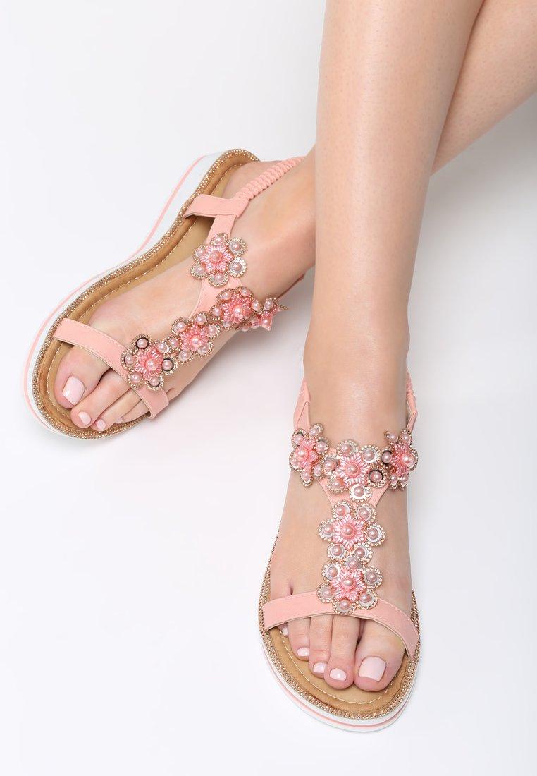 d5bb8ed2d0 Dámske sandále na platforme ružové Hailey Veľkosť   36