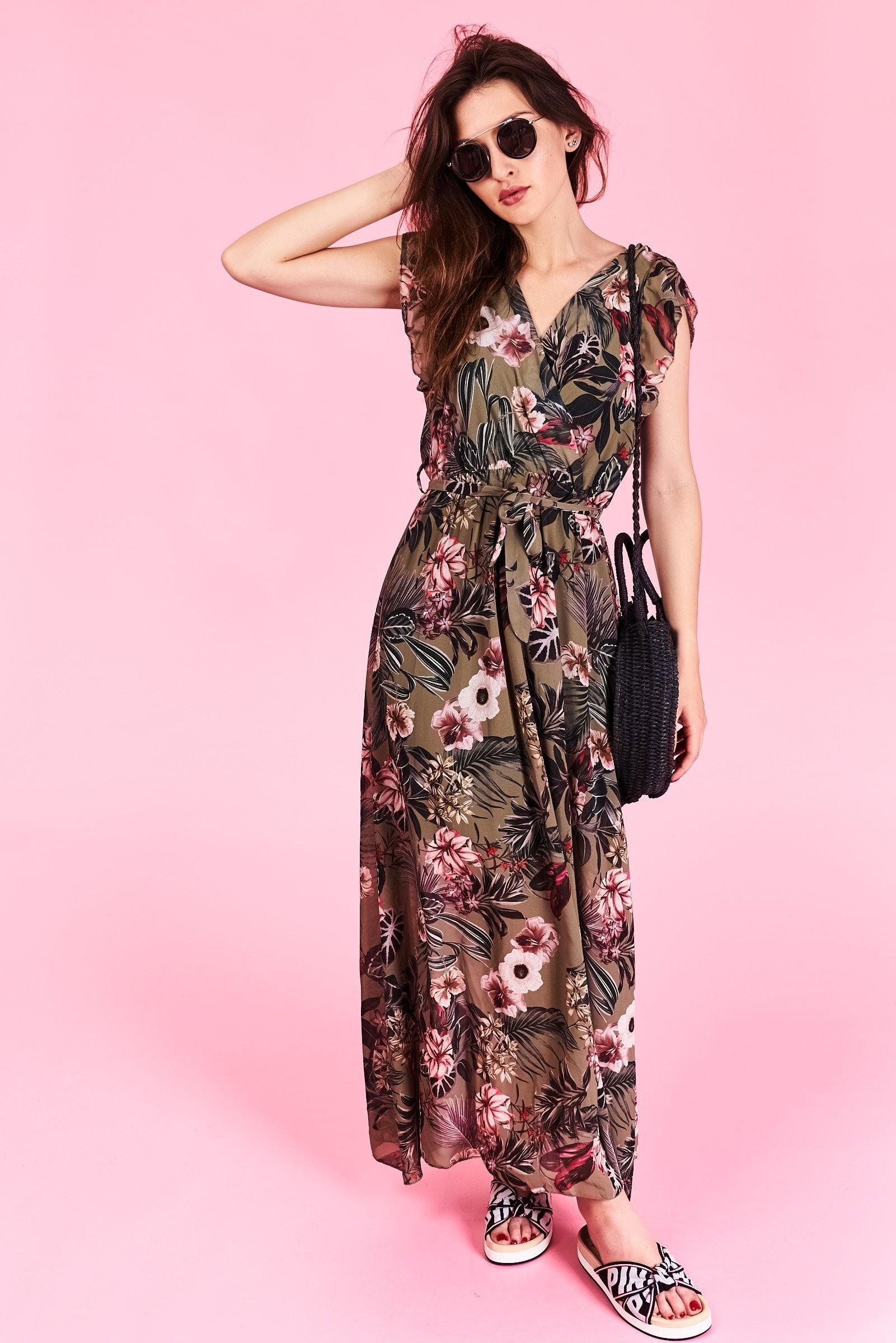 Dlhé letné šaty Megan Veľkosť UNI-verzálna Vyrobené z príjemného materiálu.  Letné pohodlné šaty b0b3b65e7f5