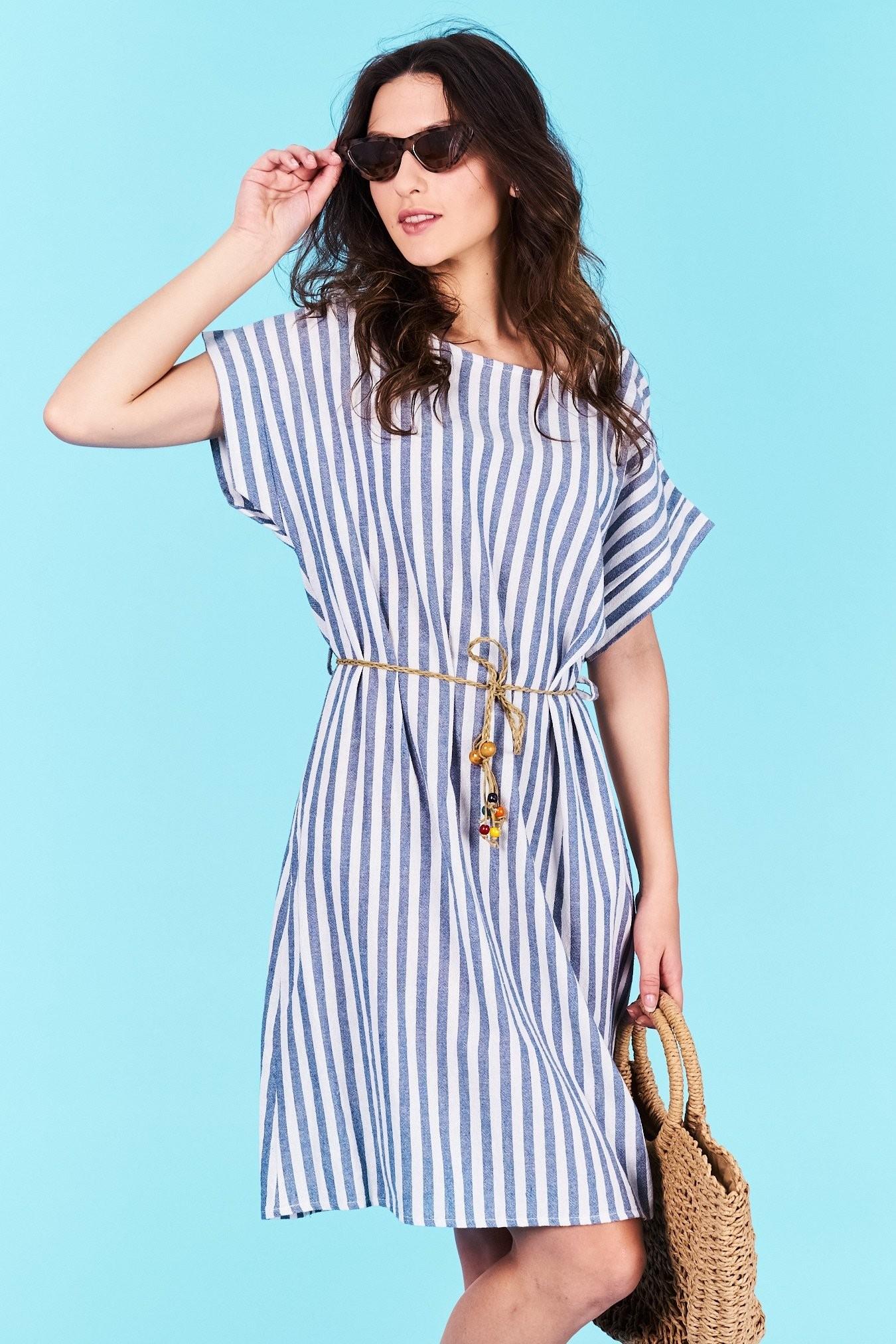 e77b96af0566 Dámske pruhované šaty modré Norah Veľkosť UNI-verzálna Vyrobené z  príjemného materiálu. Pohodlné šaty