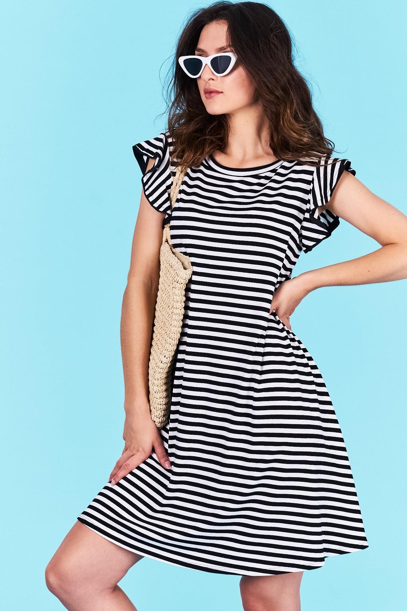 Dámske pruhované šaty čierne Jasmine Veľkosť UNI-verzálna Vyrobené z  príjemného materiálu. Pohodlné šaty dd21add0077
