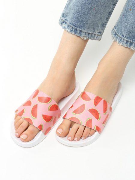 Dámske šľapky ružové Hudson Veľkosť : 36, 37, 38, 39, 40,41 /podľa dostupnosti/ Farba: ružová Špička topánky: otvorená Upevnenie: voľná päta Kód produktu: Jarka 1211271