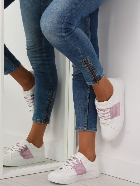 Dámske tenisky v bielo-ružovej metalickej farbe Linda Veľkosť : 36, 37, 38, 39, 40, 41 /podľa dostupnosti/ Farba: bielo-ružová metalická Špička topánky: okrúhla uzavretá Upevnenie: šnúrovacie Kód produktu: Jarka JA20896R