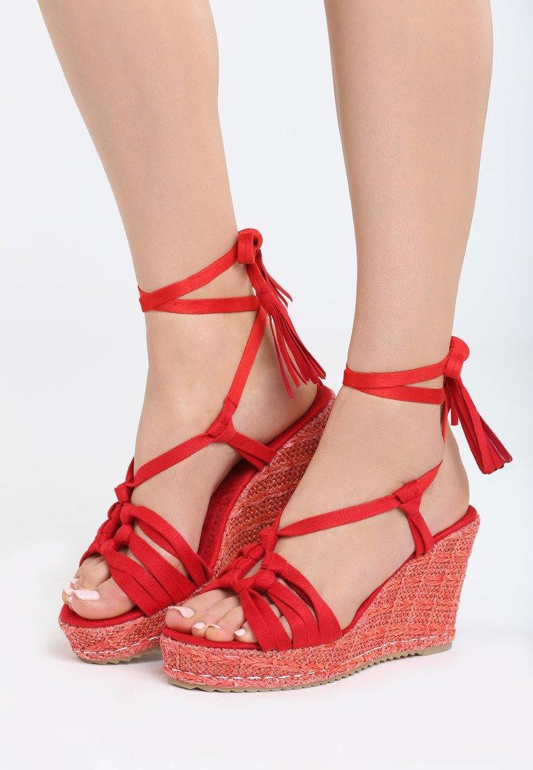 bfd1db622085 Dámske sandále na platforme červené Kinsley Veľkosť   35