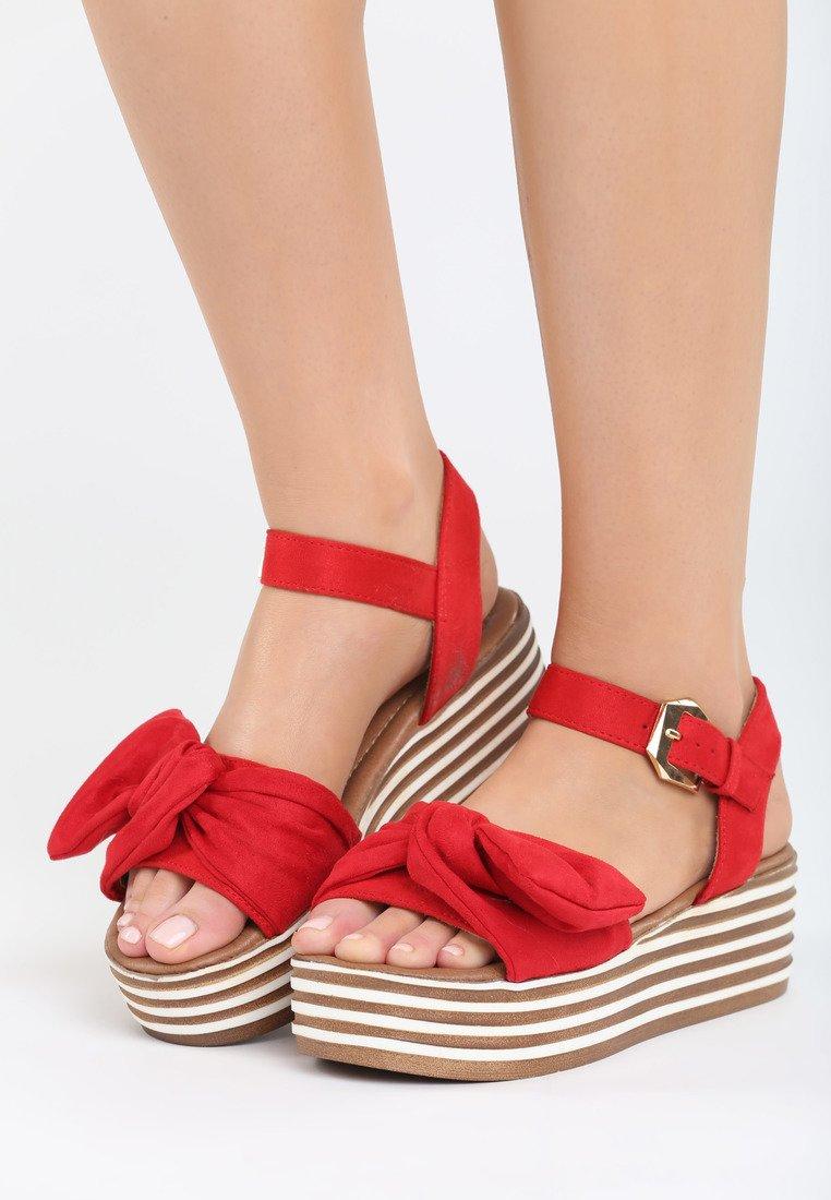 e291ee36d8 Dámske sandále na platforme červené Valerie Veľkosť   36