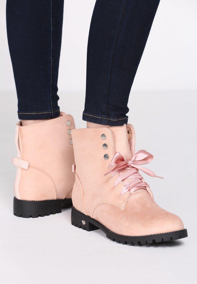 Dámske kotníkové čižmy v ružovej farbe Catthy 1221106 afcef1391f2