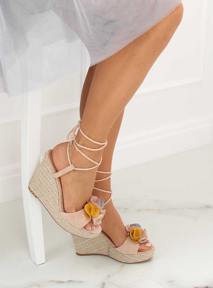 e9d8e2fb76 Dámske sandále v béžovej farbe Danna 15YY27PBE